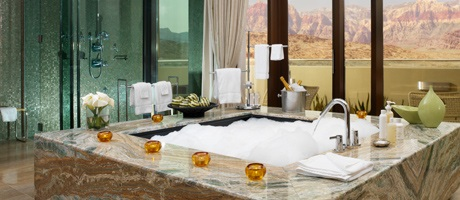 Spa bathtub with views of Red Rock Canyon